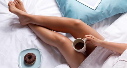7 pavisam vienkāršas lietas, kas palīdzēs tev no rīta pamosties (un neviena no tām nav kafija!)